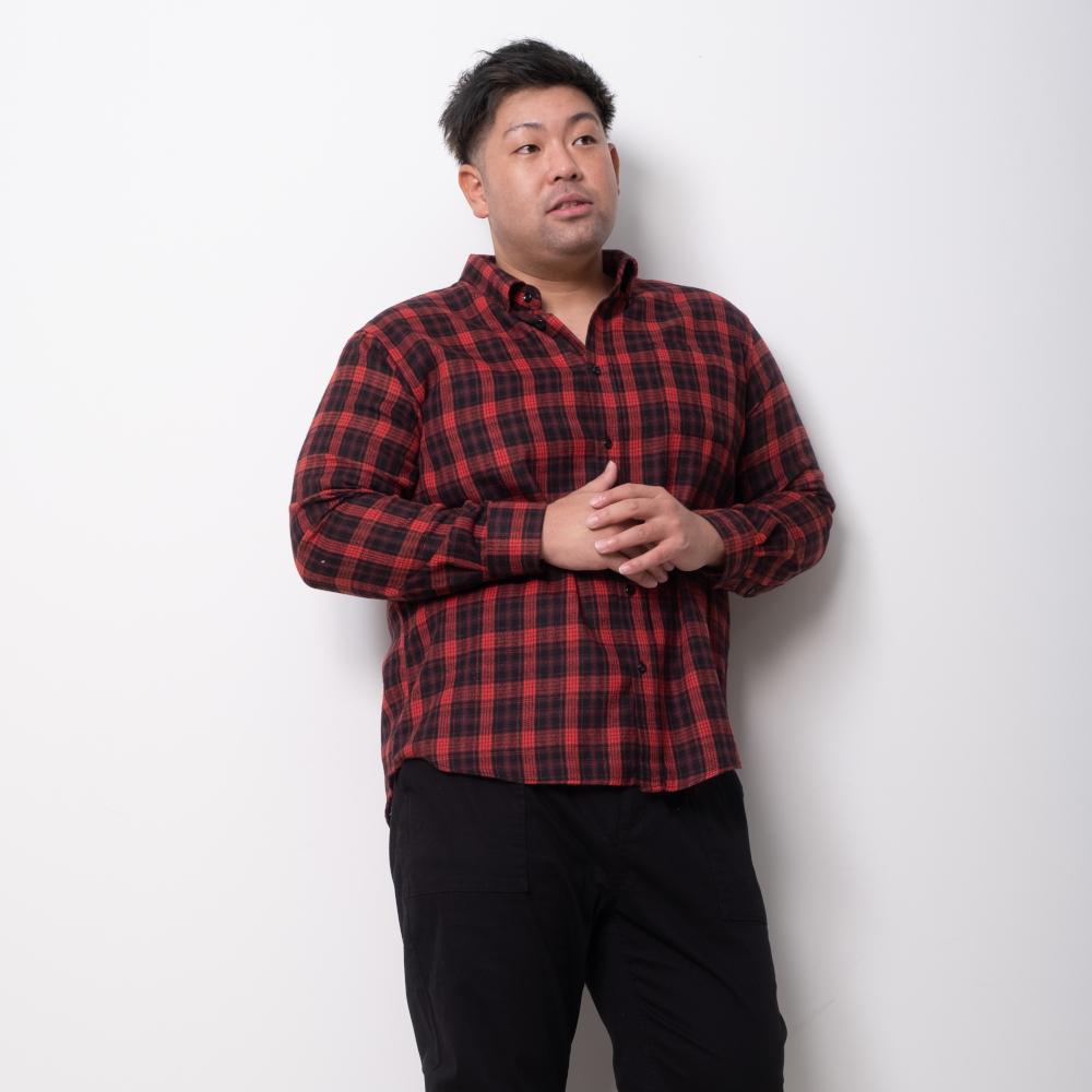 白シャツで作り上げるシンプル春コーデ